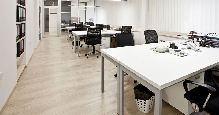 Clean office building in Montreal using MOM janitorial services